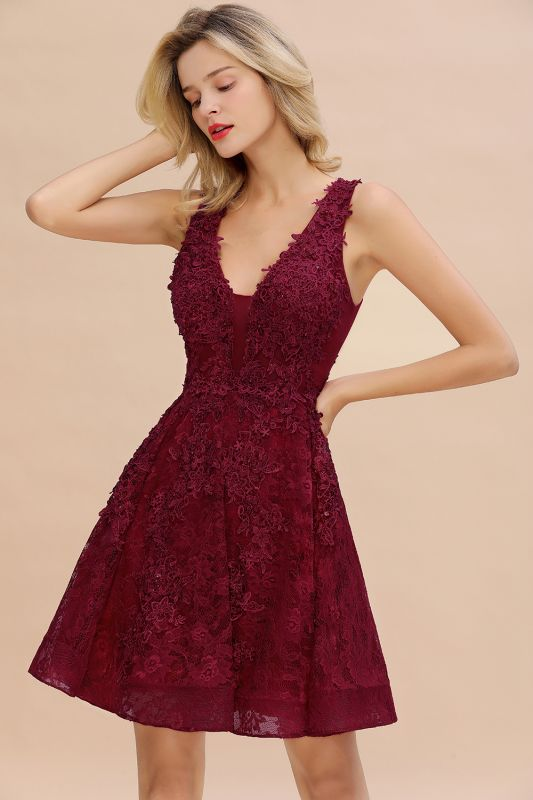 Princess V-neck Knee Length Lace Appliqued Homecoming Dresses | Burgundy Dress for Homecoming