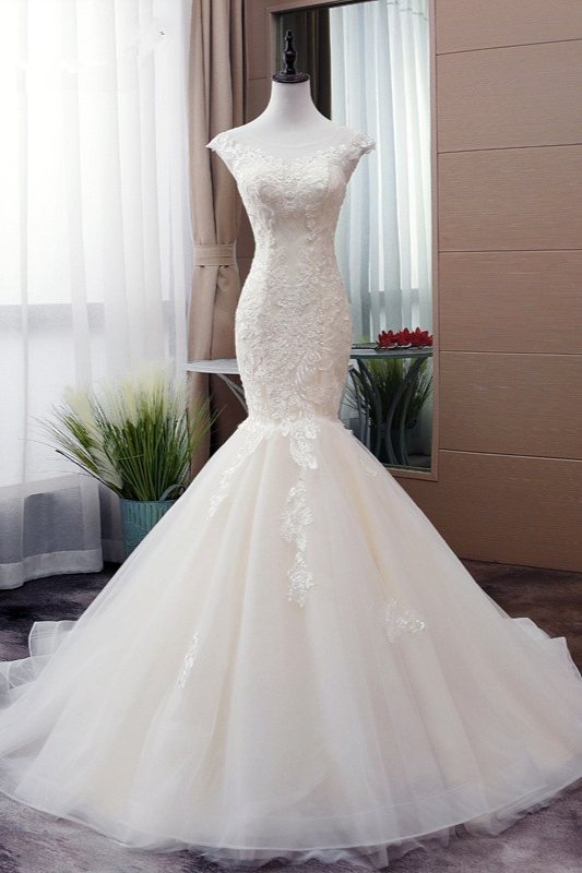 Tulle Mermaid Lace Sleeveless Iovry Wedding Dresses