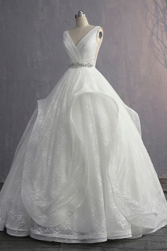 V-Neck Ruffles Lace Appliques Sleeveless Bridal Gowns