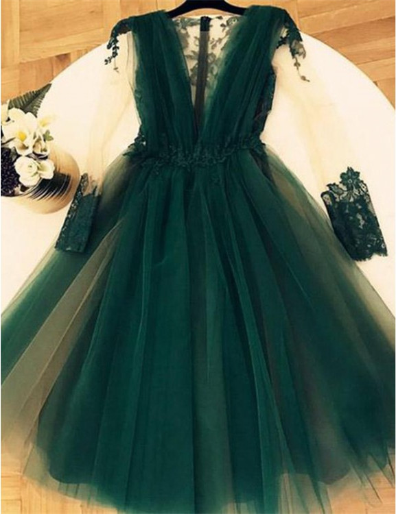 A-line Short Green Lace Homecoming Dress with Sleeves
