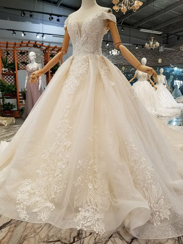 A-line Tulle Ruffles White Wedding Dresses Off-the-shoulder