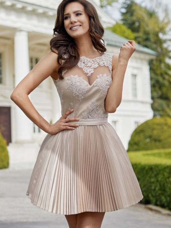 A-line Short Lace Ruffled Homecoming Dresses