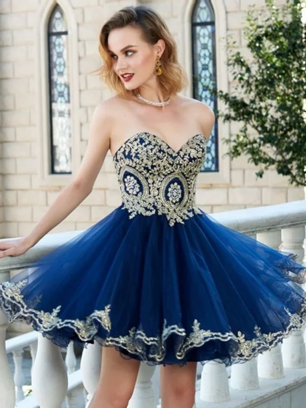 A-line Short Sweetheart Sleeveless Lace Homecoming Dresses