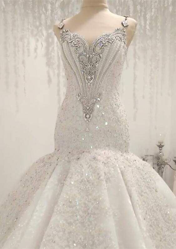 White Mermaid Sequins Sleeveless Bridal Gowns With Appliques