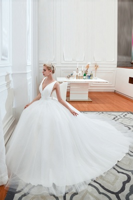 Sexy Tulle V Neck Ball Gown Wedding Dresses Sleeveless Lace Up_4