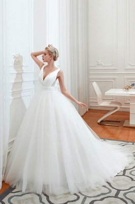 Sexy Tulle V Neck Ball Gown Wedding Dresses Sleeveless Lace Up_1