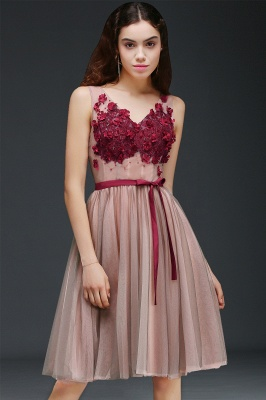Princess V-neck Knee-length Tulle Homecoming Dress with a Self-tie Belt_4