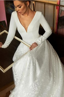 Glamorous Long Sleeve V-Neck Wedding Dress With Lace Appliques_4