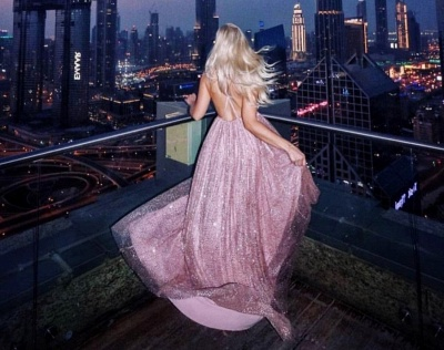 A-Line Spaghetti Straps Backless Pink Sequins Prom Dresses_4